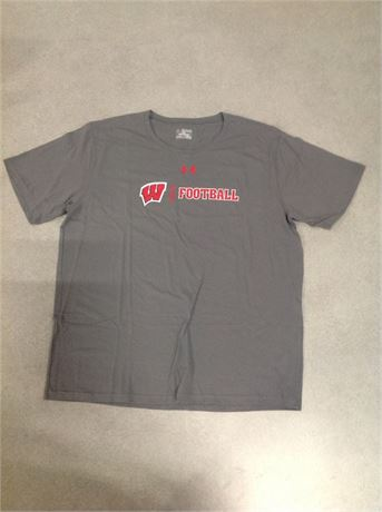 Size 2X Wisconsin Football Tee Shirt